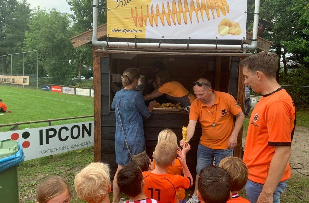 Oranjefestival spetterend einde seizoen Olympia'60